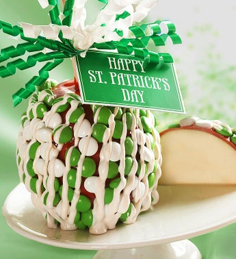 St Patricks Day Caramel Apple with Candies