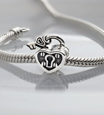Chamilia® Bracelet with Key to My Heart Charm