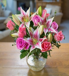 Send Mother's Day Flowers to the UK