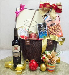 Christmas Eve Gift Basket