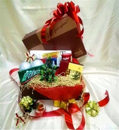 Traditional Holiday Basket