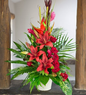 Send Romantic Flowers Amp Gifts To The Uk 1800flowers Com