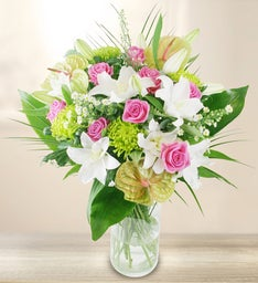 Premium Pink & White Flowers Bouquet