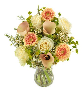 Bouquet white and soft peach