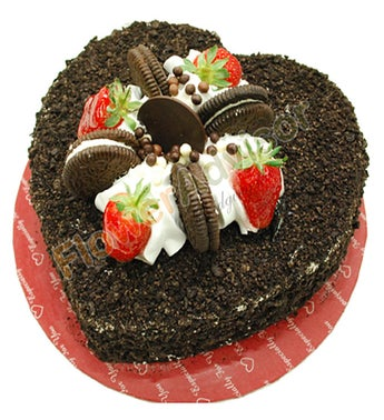 Oreo Cake with Free Rose Bouquet