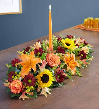Thanksgiving floral centerpieces table