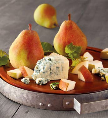 Royal Riviera174 Pears and St Pete39s Select Blue Cheese