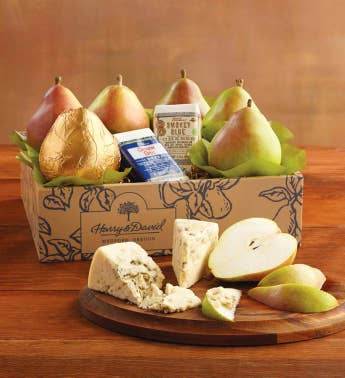 Royal Riviera174 Pears with Rogue Creamery174 Oregonzola174 Blue Cheese and Smokey Blue174 Cheese