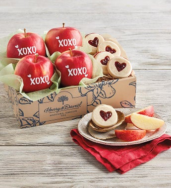 Valentine39s Day Apples and Cookies