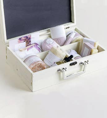 Luxury Lavender Spa Trunk