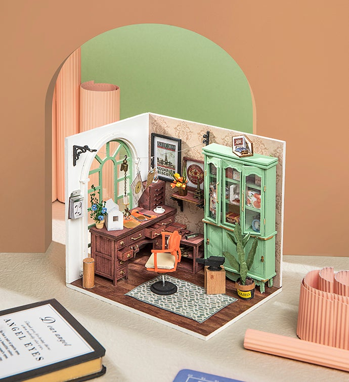 Jimmy's Studio DIY Miniature Dollhouse